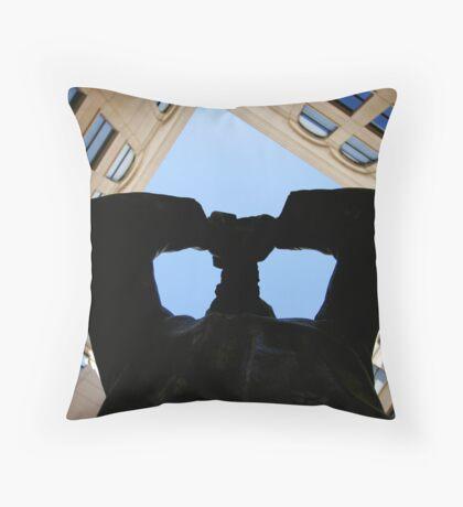 Simmetry Throw Pillow