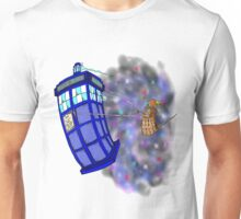 Dalek hitching a ride on the Tardis Unisex T-Shirt