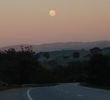 Empty Highway (Hume Highway, Australia 2009) by muz2142