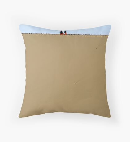 Dune trek Throw Pillow