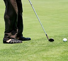 Golf Feet by Henrik Lehnerer