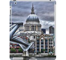 St Paul's : art render iPad Case/Skin