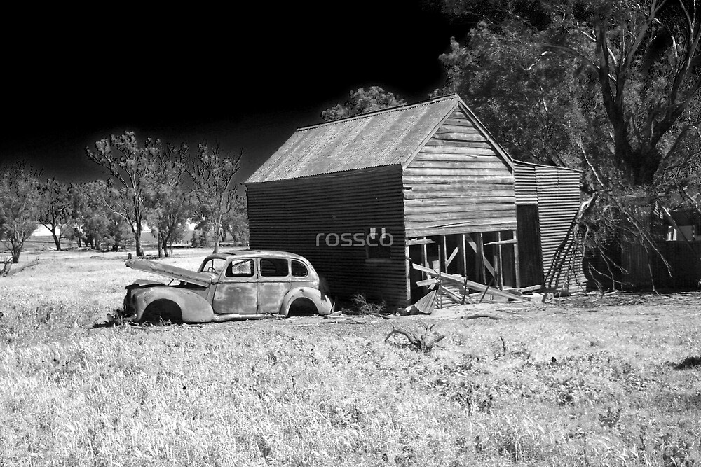 Monteagle At Night by rossco