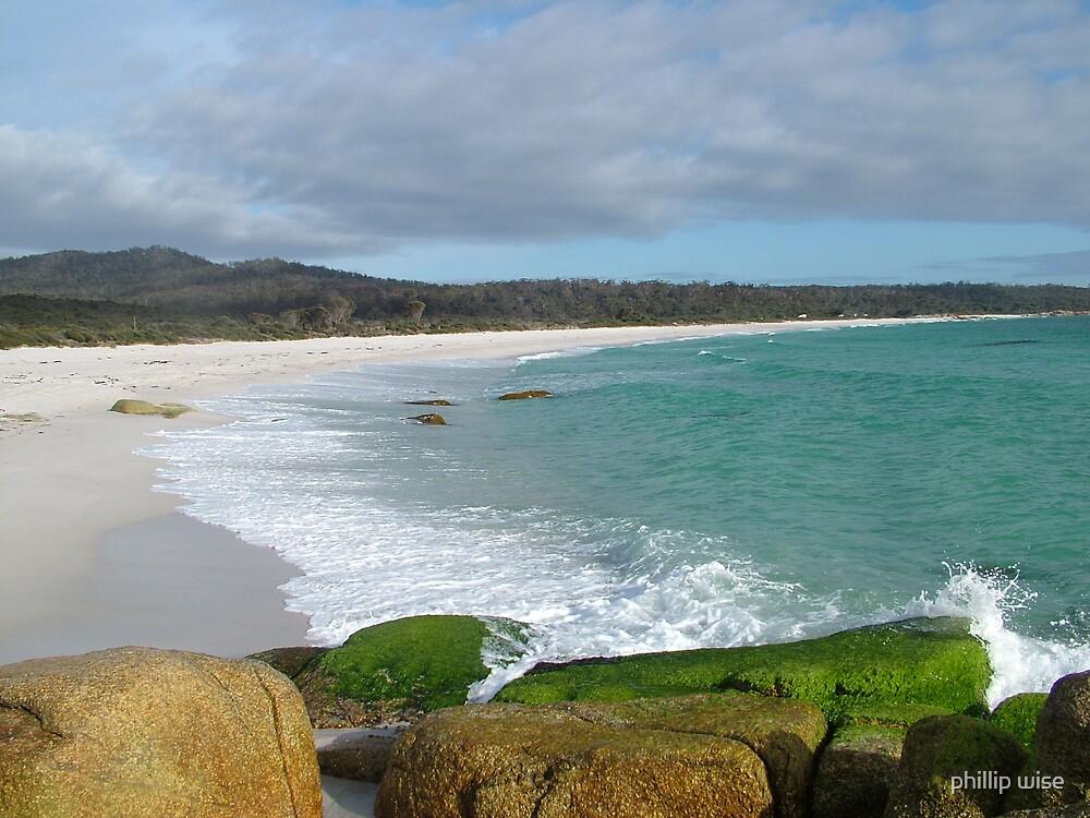 Binalong Bay on East Coast of Tasmania , Australia by phillip wise