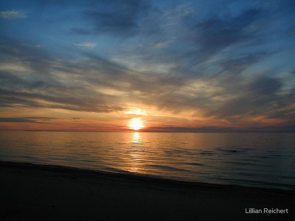 Sun Set no 12 by Lillian Reichert