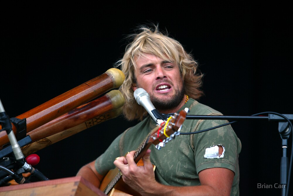 Xavier Rudd in concert by Brian Carr