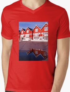 Modern classical design summer houses with reflection Mens V-Neck T-Shirt