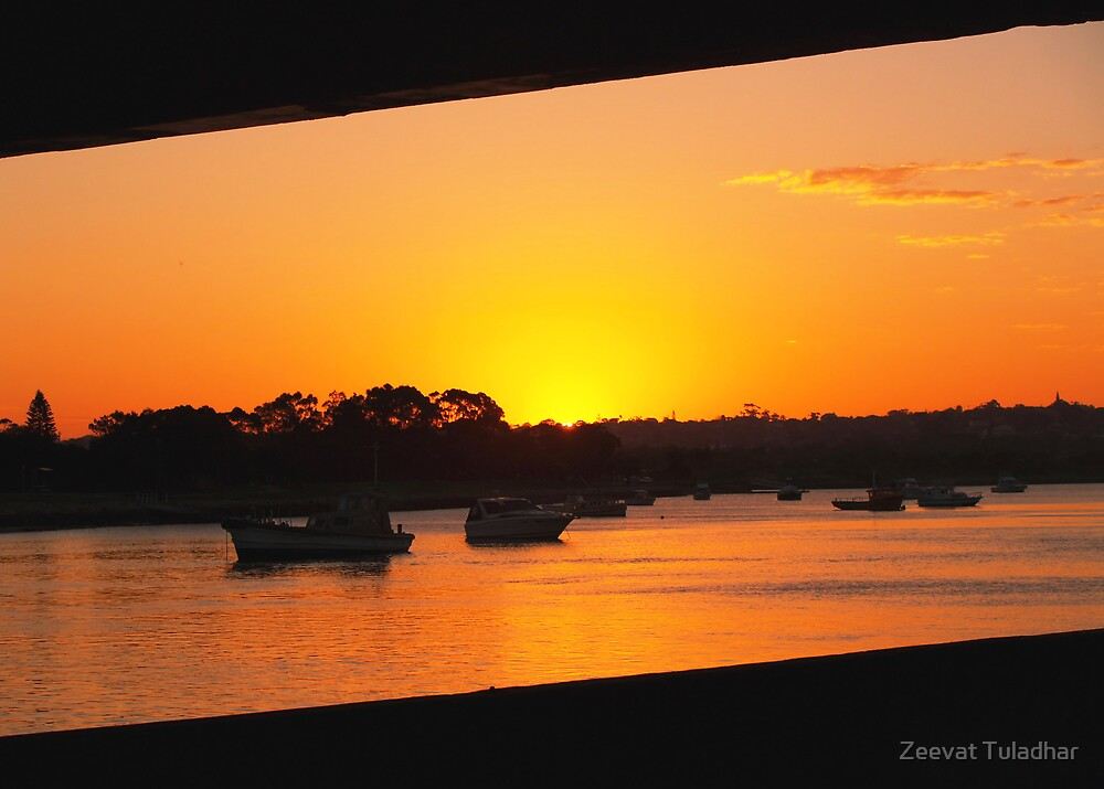 Setting sun by Zeevat Tuladhar