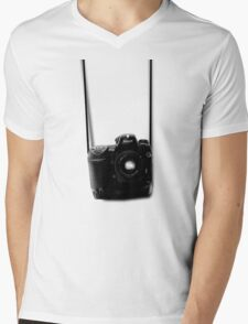 Camera shirt 2 - for Nikon users Mens V-Neck T-Shirt