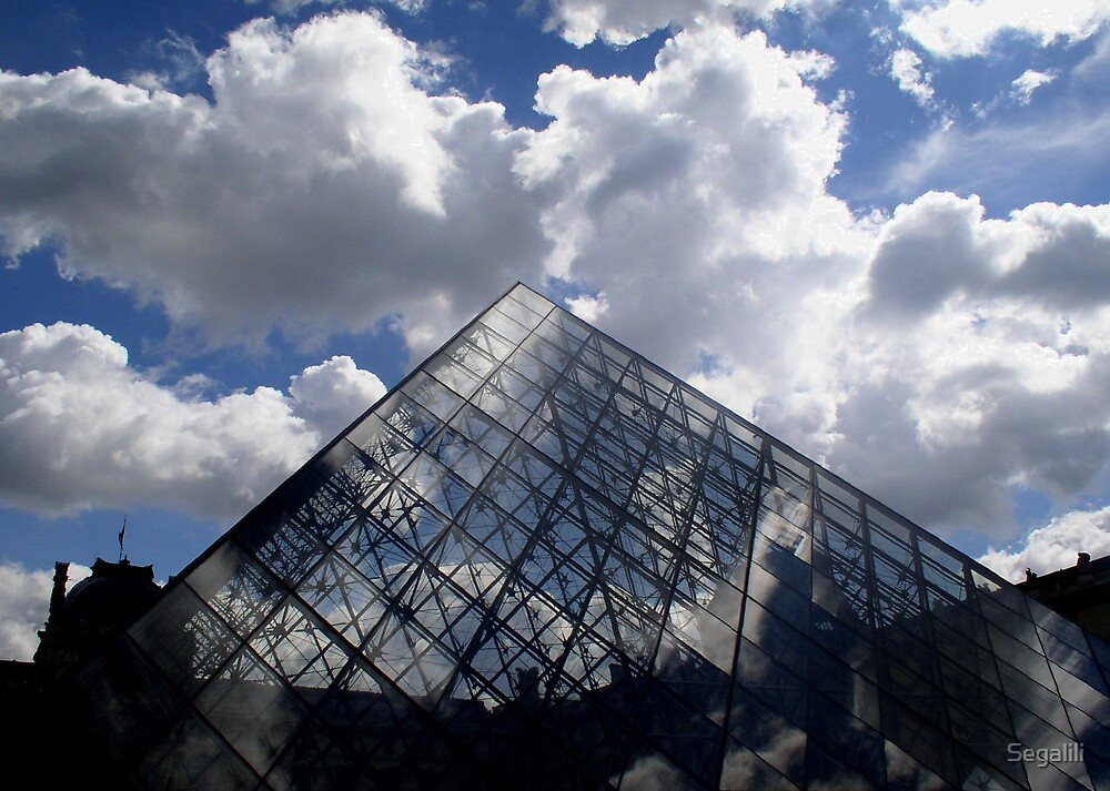 The (Pyramid's) head is in the clouds by Segalili
