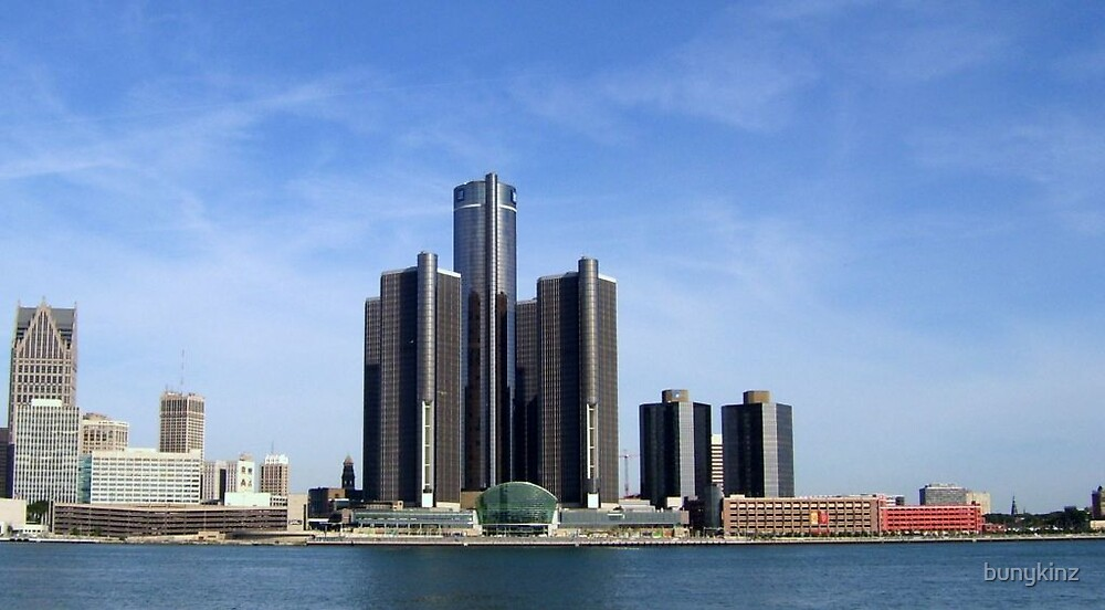 GM Renaissance Center by bunykinz