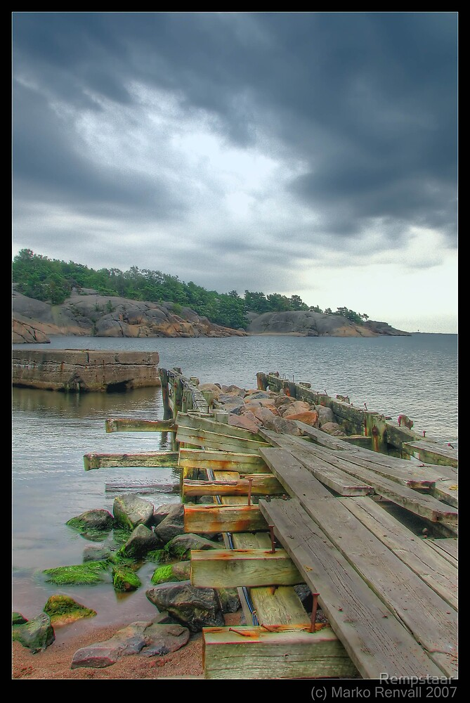 Broken Pier by Rempstaar