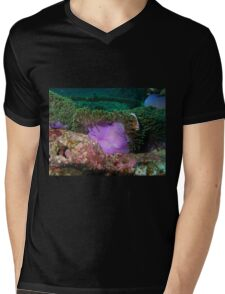 Anemone in current Mens V-Neck T-Shirt