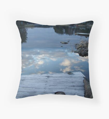 dive into the sky Throw Pillow