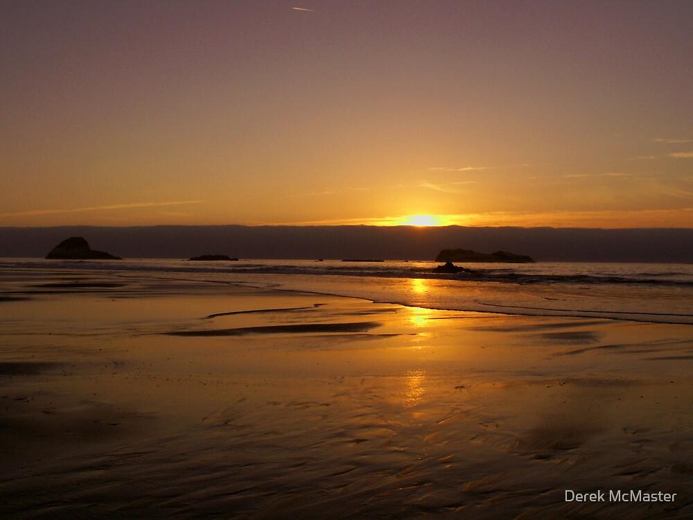 Sunset 2 by Derek McMaster