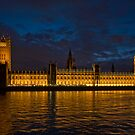 Look kids:  Big Ben.  Parliament. by deslover