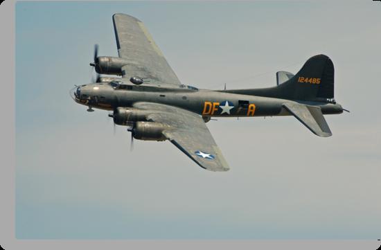 B-17 Memphis Belle replica flyby by Andy Mueller