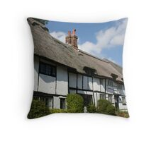 english cottages Throw Pillow