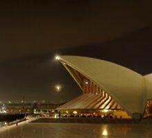 QE2 in Sydney by Clayton Haynes
