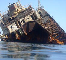 shipwreck by JayneW