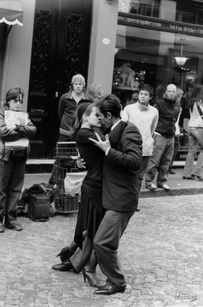 Tango en San Telmo, Buenos Aires by Manuel GOURSOLLE