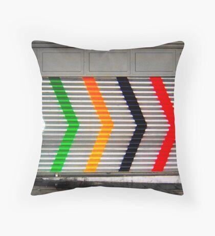Six arrows Throw Pillow