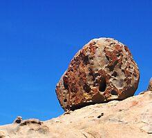 Falling rock by RaeRae