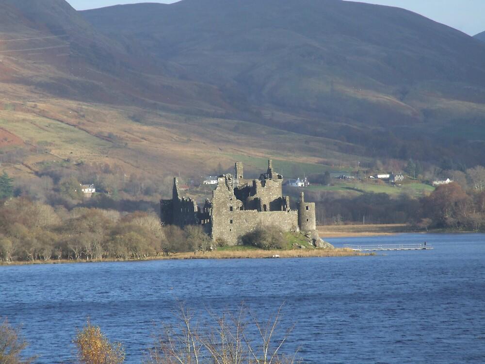 Kilchurn Castle on Lochawe  by Alan Findlater
