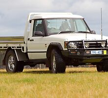 Land Rover Discovery Ute by Robert Pepper