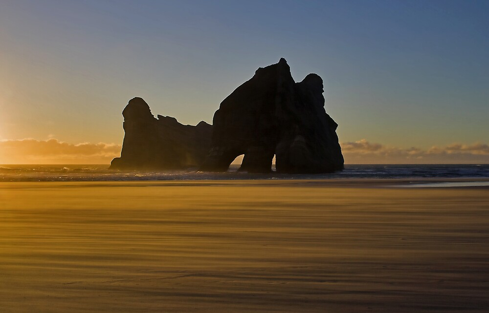 Sunset at at the Archway Islands by Pindrop  Foundation