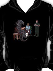 Alien Takes Jonesy to the Vet T-Shirt