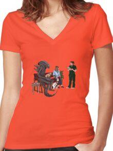 Alien Takes Jonesy to the Vet Women's Fitted V-Neck T-Shirt