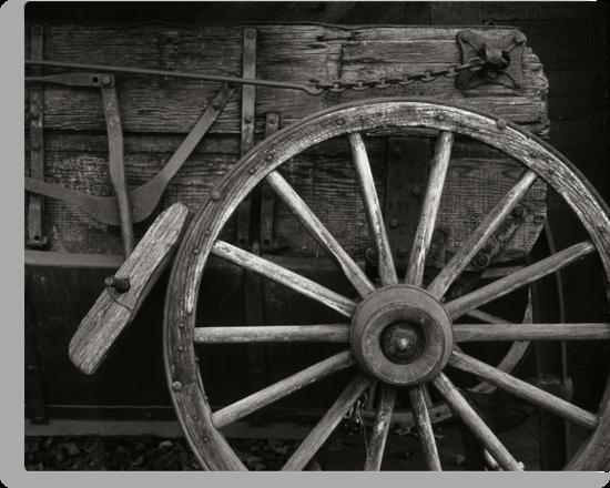Wagon Wheel by mymamiya
