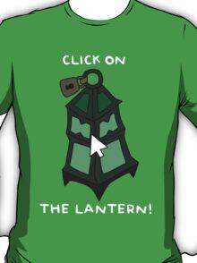 "Thresh - ""CLICK ON THE LANTERN!"" - WHITE TEXT/DARK SHIRTS T-Shirt"