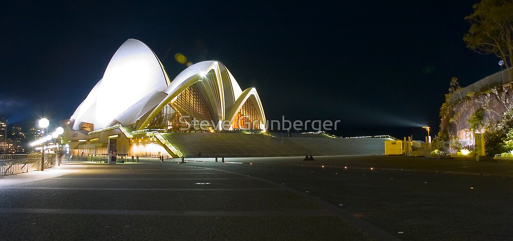 Sydney Opera House by Steve Grunberger