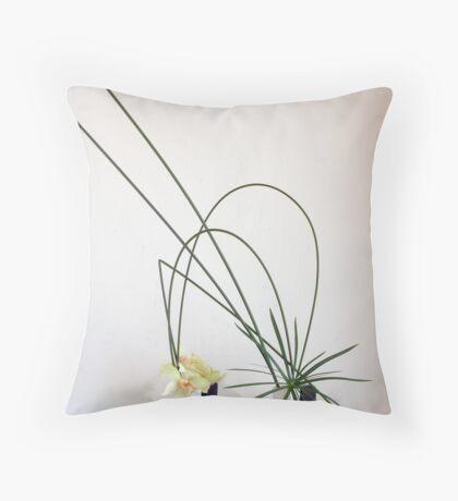 Ikebana-018 Throw Pillow