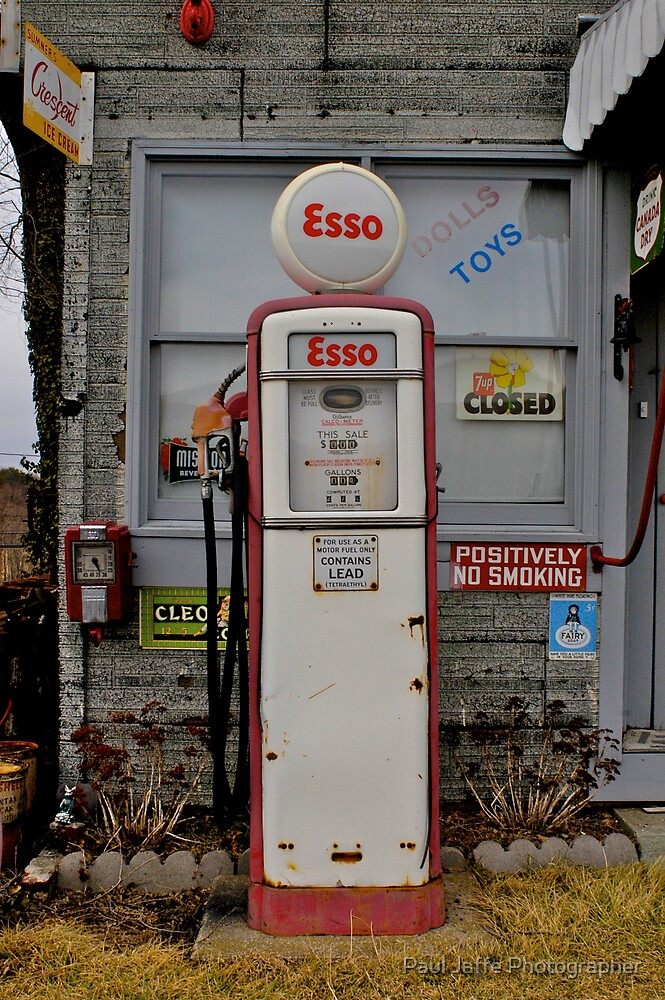 Esso by Paul Jaffe Photographer