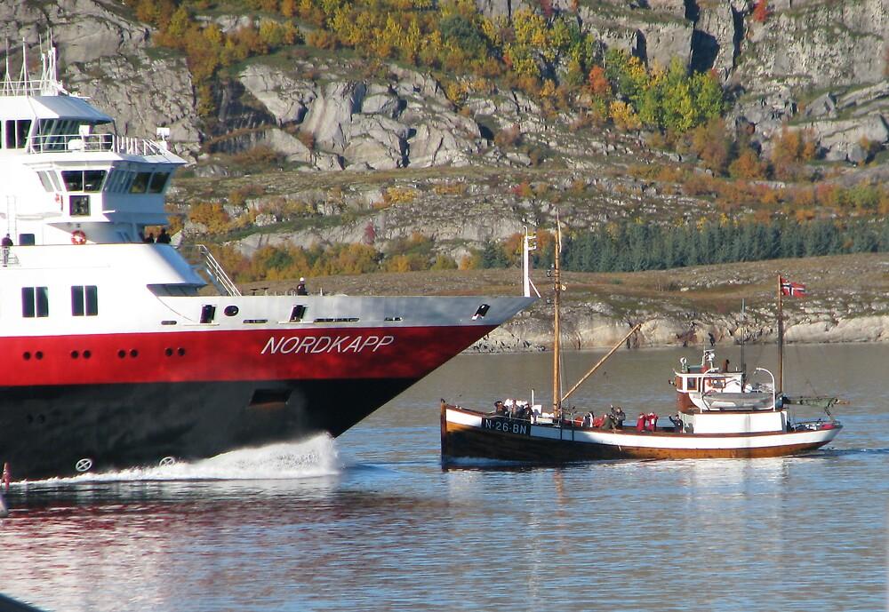 Boat and boat by Loklok