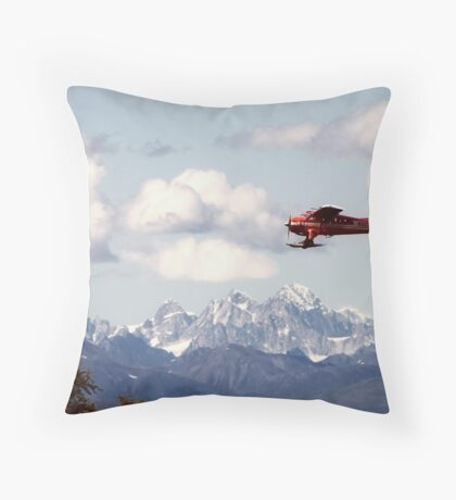 Dehaviland Beaver Flying over the Alaska Range Throw Pillow