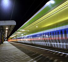 The 18:22 Light Stream to Birmingham by Ian  James