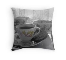 Tea break Throw Pillow