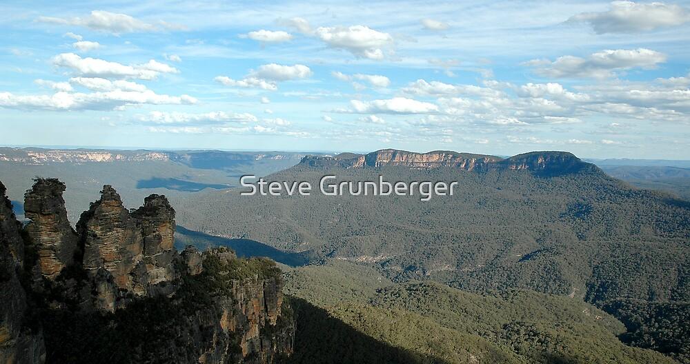 Three Sisters, Blue Mountains Australia by Steve Grunberger