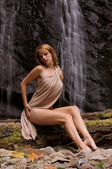 Lady of the Falls... by 1oldman