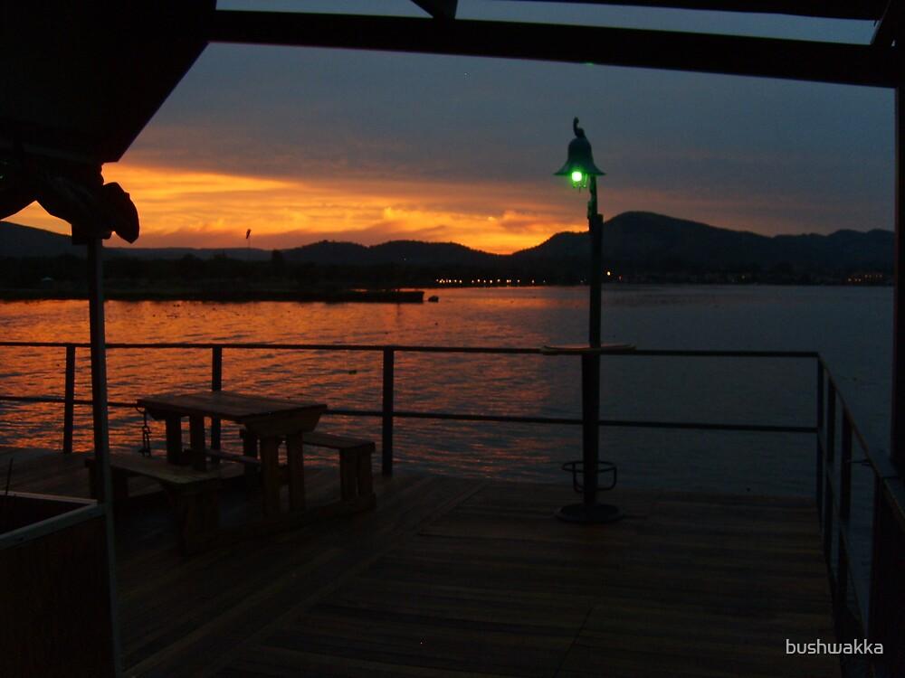 Floating sunset by bushwakka