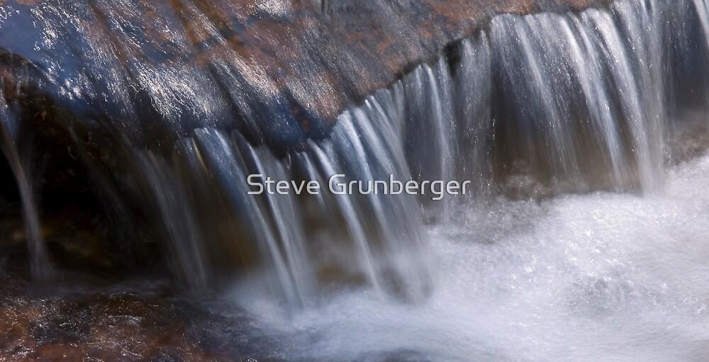 Wentworth Falls - Blue Mountains by Steve Grunberger