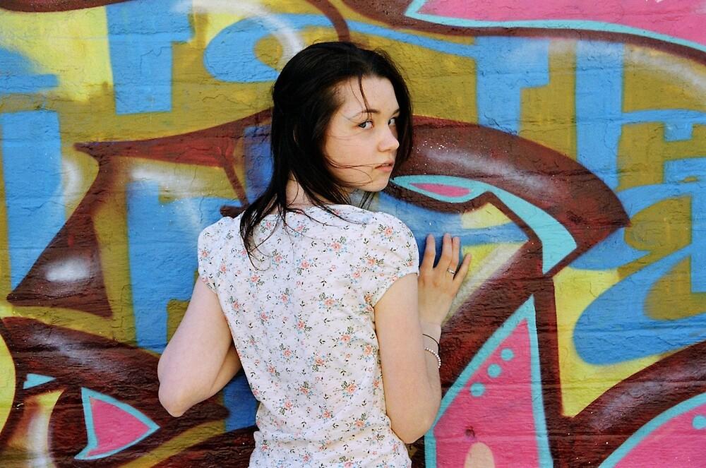 A pause between colours by Rachel Gellert
