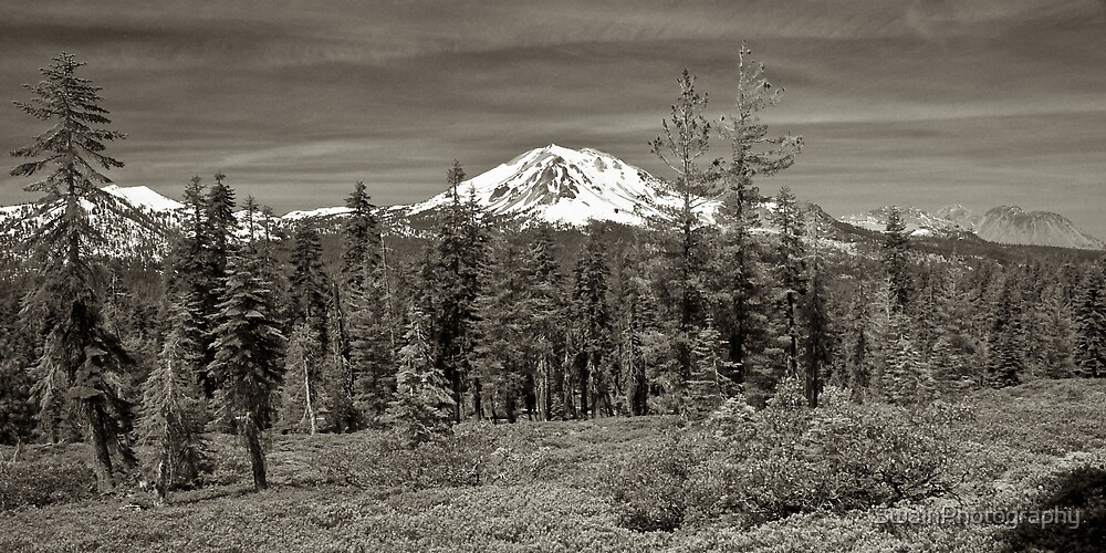 Reading Peak and Lassen Peak by SwainPhotography