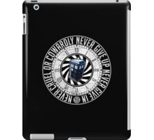 Never Cruel Or Cowardly - Doctor Who - TARDIS Clock iPad Case/Skin