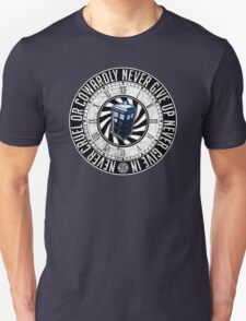 Never Cruel Or Cowardly - Doctor Who - TARDIS Clock Unisex T-Shirt