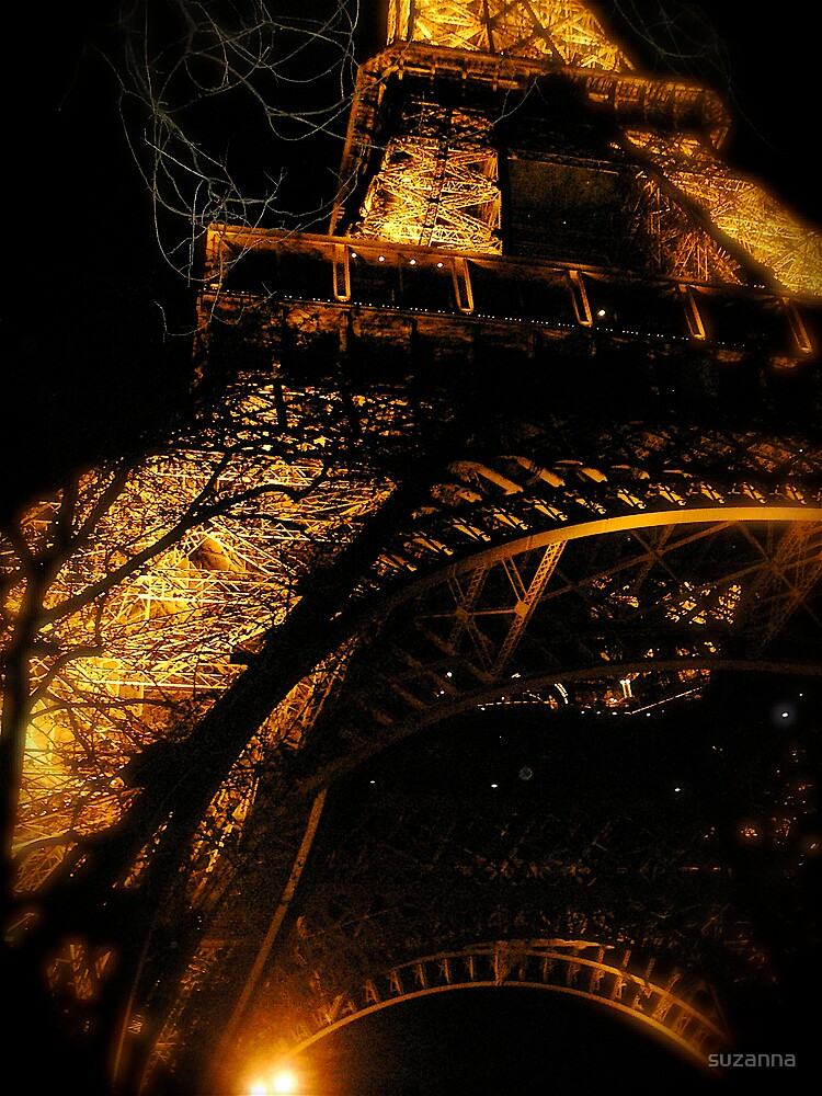 Eiffel Fire by suzanna